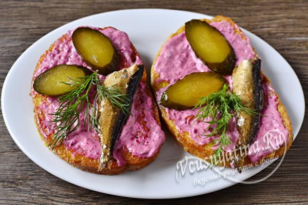Бутерброды со шпротами - мой топ 5 вкусных рецептов на праздничный стол