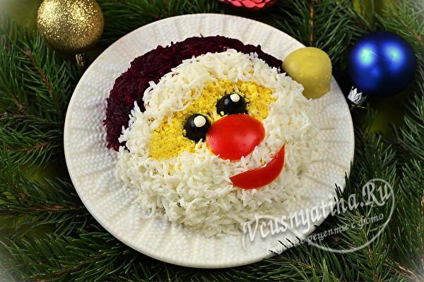 Красивый новогодний салат Дед Мороз в шаговом порядке