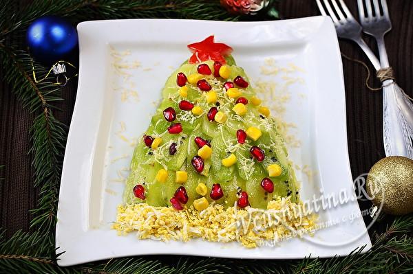 Салат с киви в виде елочки