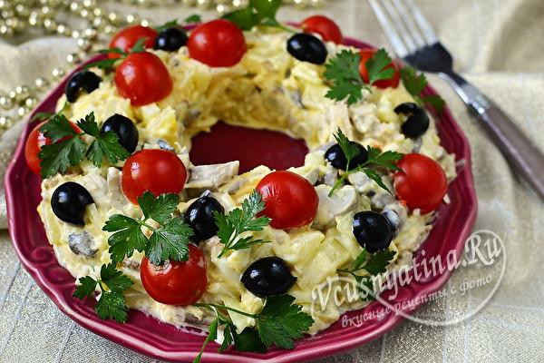 Салат на Новый год с курицей – сочный и вкусный