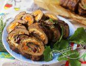 Рулет из печеночного теста с начинкой из овощей и грибов