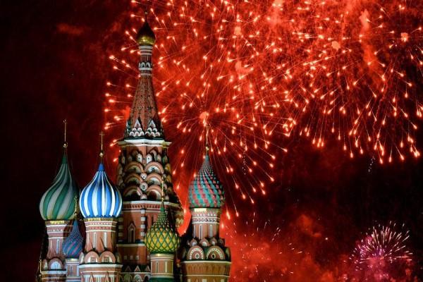 Салют на Новый год 2021 в Москве - где и когда смотреть