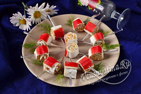 Фаршированные крабовые палочки с начинкой из паштета из сельди