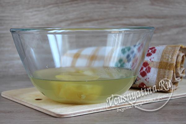 Тонкие и мягкие блины на картофельном отваре
