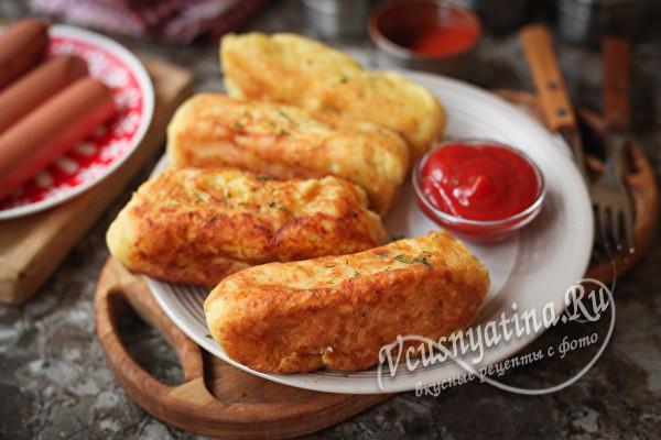 Простые и вкусные картофельные пальчики с сосисками