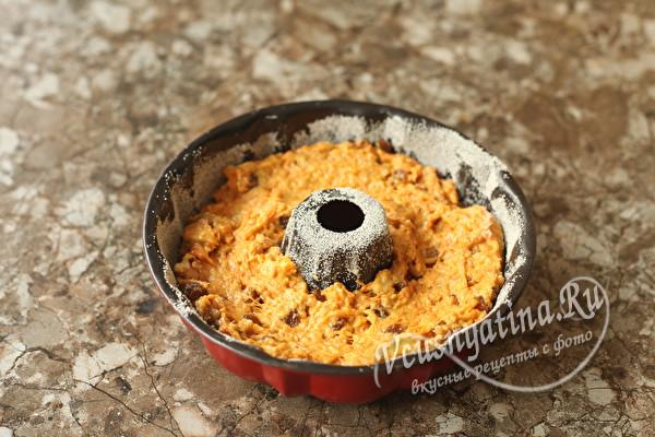 Морковный кекс с орехами и изюмом