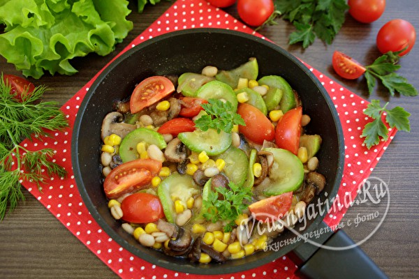 Постное рагу с фасолью и овощами