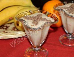 Банановый коктейль с мороженым