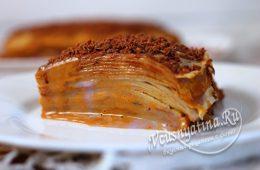 Миниатюра к статье Блинный торт со сгущенкой и черничным джемом