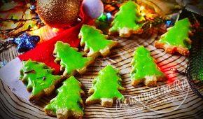 Миниатюра к статье Хрустящее песочное печенье в виде елочек на Новый год