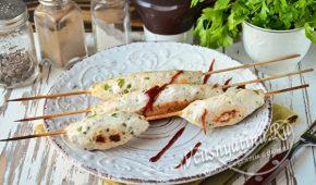 Миниатюра к статье Люля-кебаб из курицы в духовке – просто и вкусно