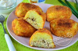 Картофельные котлеты с курицей внутри и сыром