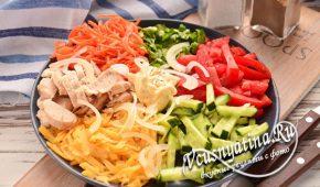 Миниатюра к статье Овощной салат с курицей — конкурент Оливье на новогоднем столе