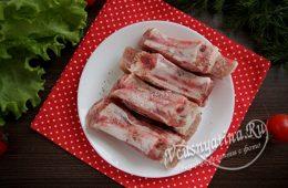 Миниатюра к статье Очень вкусные свиные ребрышки, тушеные с картошкой в мультиварке