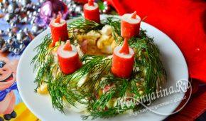 Миниатюра к статье Салат «Рождественский венок» с крабовыми палочками и кукурузой