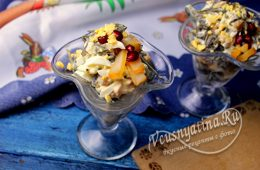 Салат с морской капустой, яйцом и копченым кальмаром