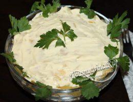 Миниатюра к статье Салат с ананасами и копченой колбасой