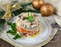 салат с отварной скумбрией и овощами