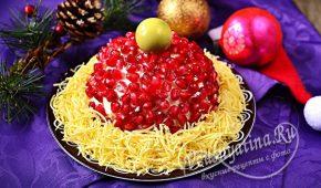 Миниатюра к статье Салат «Красная шапочка» с грецкими орехами и зернами граната