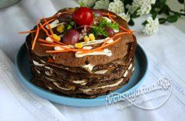 Торт с куриной печенью, морковкой и луком