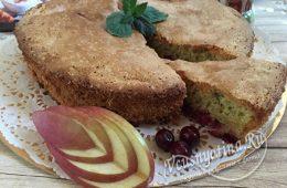 Миниатюра к статье Яблочно-вишневая шарлотка – минимум действий, максимум вкуса
