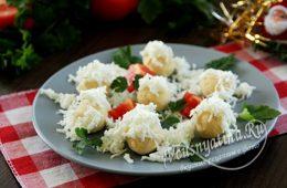 Миниатюра к статье Закуска «Снежки» с курицей, сыром и яйцом на Новый год